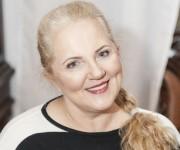 Zdjęcie Ewy po operacjech: liftingu twarzy i korekcie powiek górnych