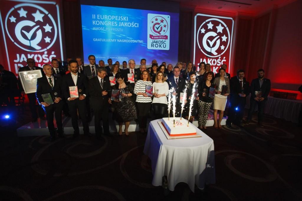 Zdjęcie grupowe laureatów konkursu Jakość Roku 2015